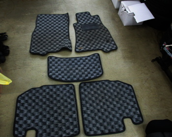 Unknown - Floor mats for Cima (Y33)